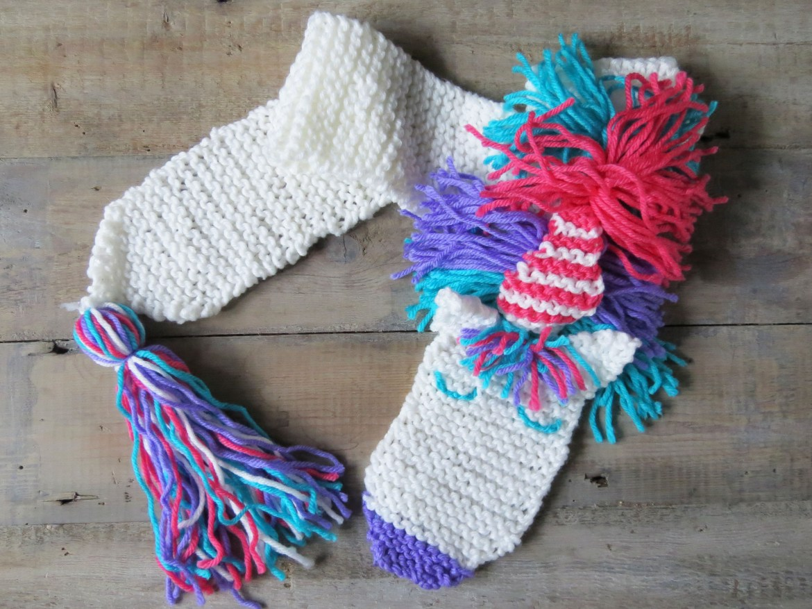 Mums Off Duty, Buttonbag Unicorn Scarf Knit Kit