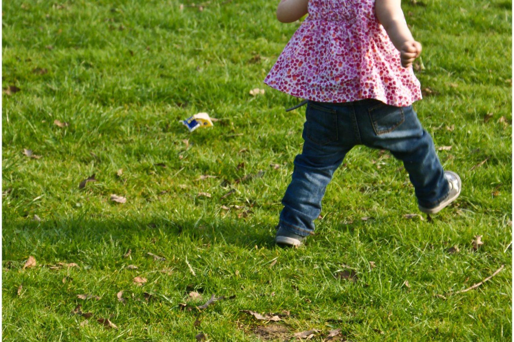 Heaton Park, Heaton Park Manchester, Isabelle Running, Toddler running, running toddler
