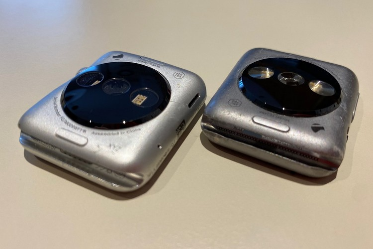 Take a Look at the First-Gen Apple Watch Prototype in these Live Images
