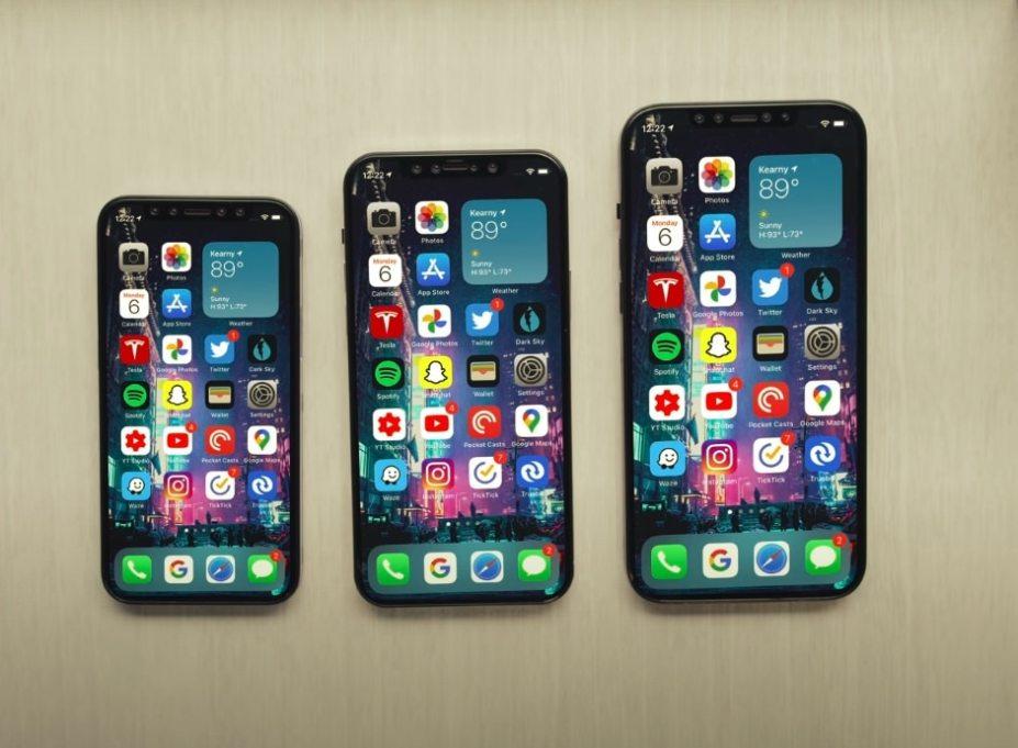 5.4-inch iPhone 12 OLED Screen Photo Leaks