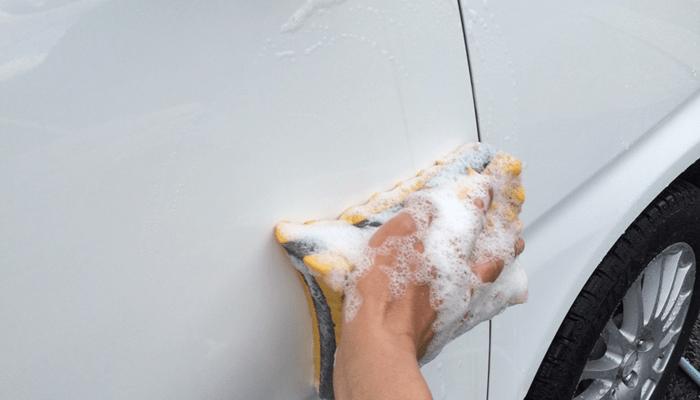 リンレイの水アカ一発。車にこびりついた水垢を簡単除去できる超おススメクリーナー。 (4/6)