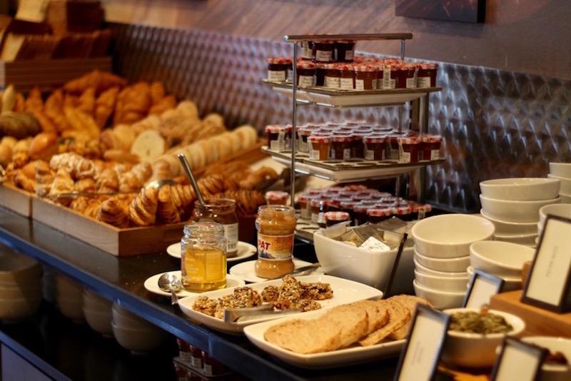 hilton-breakfast
