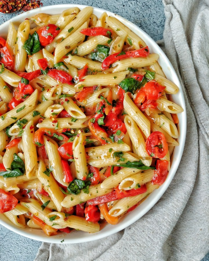 Penne Pasta with Peppers, Tomatoes and Spinach