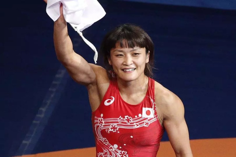 Kaori Icho, of Japan, celebrates after defeating Petra Maarit Olli, of Finland, during a women痴 freestyle gold-medal match at the wrestling world championships Thursday, Sept. 10, 2015, in Las Vegas. (Kyodo Photo)