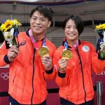 Irmãos Abe faturam duas medalhas de ouro no judô em Tóquio