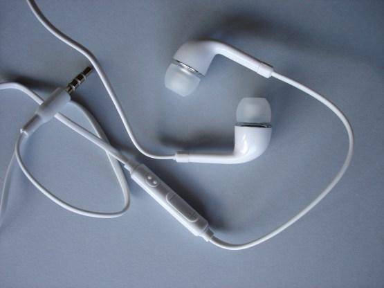 Auriculares con control de volumen