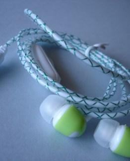 auriculares fosforescentes con control de volumen