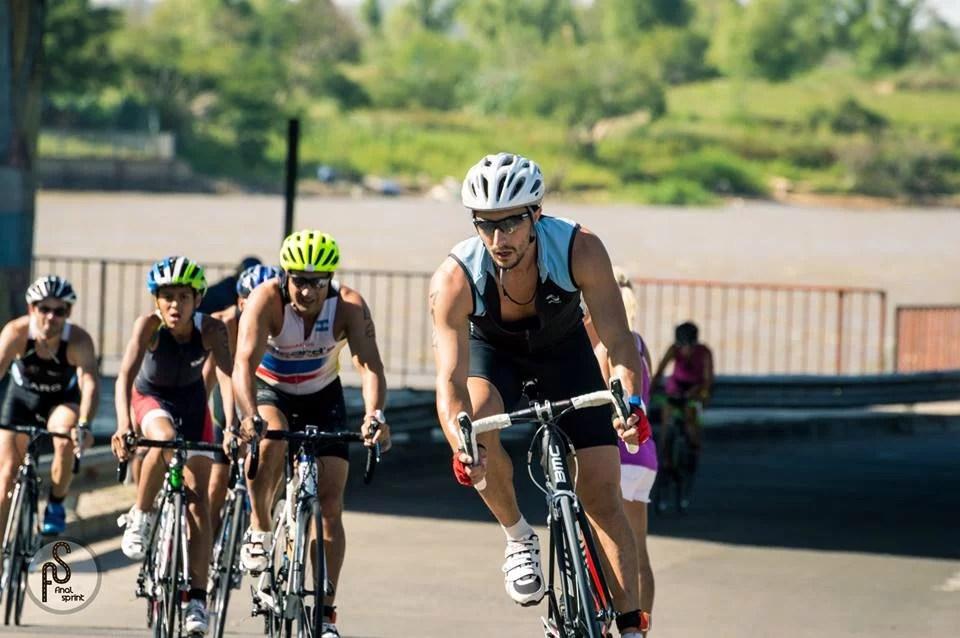 triatlon, ciclismo, competencia, alimentacion para competencia, dieta, nutricion deportiva