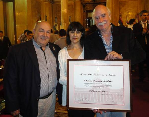mendieta_premio_delfo_2015_con_limardo