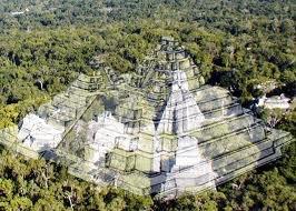 El Mirador, templo El Tigre - Noten la comparación con Tikal.