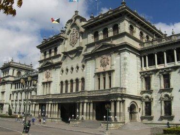 Fotografía de Eduardo Jagan. Fachada Frontal del Palacio Nacional de la Cultura.