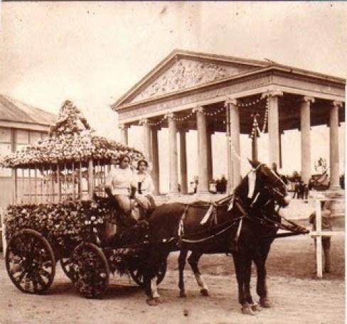 Carrosa en la Fiestas Minervas, 1917
