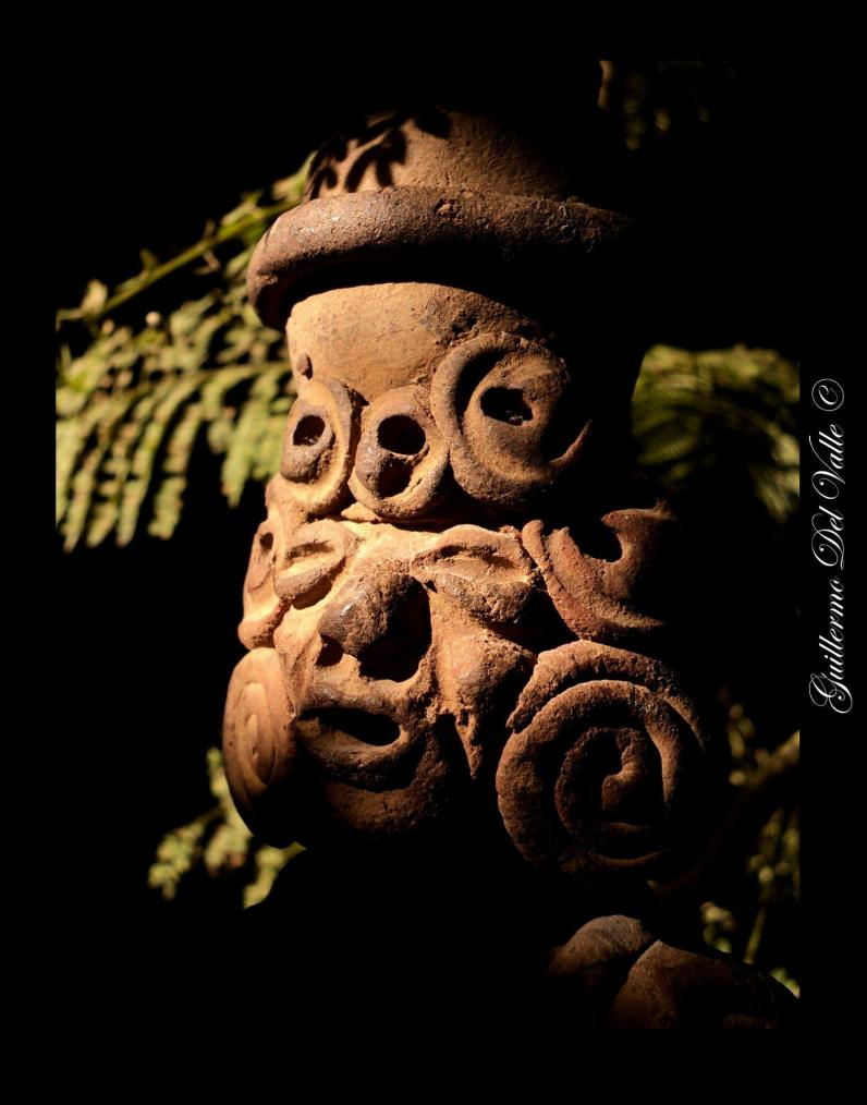 Especie de veladora maya. Fotografía de Guillermo del Valle