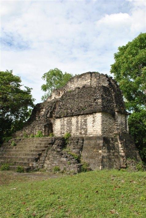 Palacio Tzakol foto por emagister.com  - Fotos de Construcciones de los Mayas y sus Descendientes