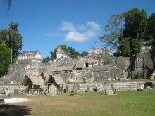 Tikal sitio arquelogico por Chemo Valle - Fotos de Construcciones de los Mayas y sus Descendientes