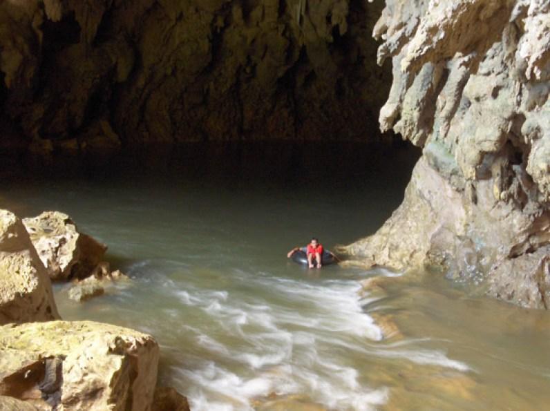 Entrada a las Cuevas Candelaria - foto por visitguatemala.com