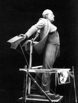 monumento a Miguel Angel Asturias - Miguel Ángel Asturias, Premio Nobel de Literatura en 1967