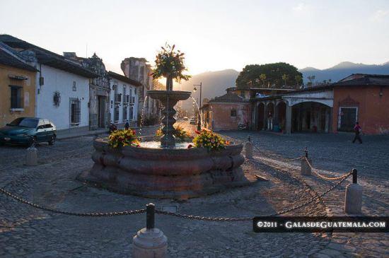 Fuente en Antigua Guatemala - foto por www.galasdeguatemala.com.