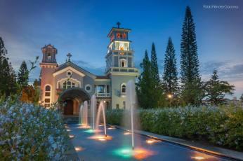 Iglesia Santa Delfina Zona 2 foto por Pablo Méndez Garzona Photography Design - Galería - Fotos de Iglesias y Templos en Guatemala