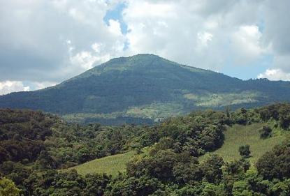 Volcan Jumaytepeque Santa Rosa foto por hastalacumbre.com  - Galería  - Fotos de Volcanes en Guatemala