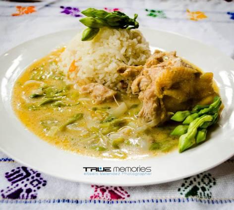 comida Pollo con Loroco foto por Neels Melendez por True Memories - Galería - Fotos de la Gastronomía Guatemalteca