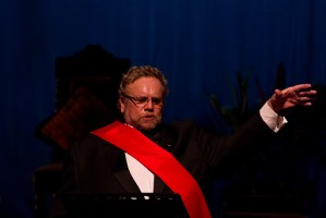 Luis Felipe Girón May, barítone