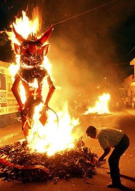 La Quema del Diablo - La Tradición de La Quema del Diablo