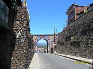 Arco Gucumatz en Chichicastenango foto por Elias S Laugot - La ciudad de Chichicastenango