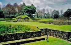 IximcheChimaltenango foto por afar.com  - Fotos de Construcciones de los Mayas y sus Descendientes
