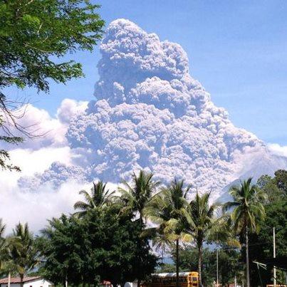 Galería – Fotos de la Erupción del Volcán de Fuego, Septiembre 13, 2012
