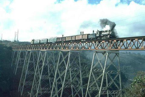 Trenes en Guatemala foto del recuerdo enviado por Carlos Samuel Gomez G. - Galería – Fotos del Ferrocarril de Antaño en Guatemala