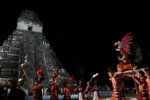Celebración del cambio del Baktún, Tikal - foto por la pagina del presidente Otto Perez