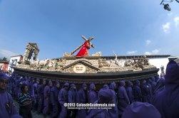 Anda procesional de la Imagen de Jesús Nazareno de Santa Inés foto por Maynor Marino Mijangos - Galeria - Fotos de La Cuaresma y Semana Santa en Guatemala