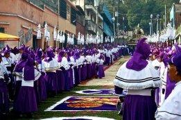 Tradiciones Procesion de Semana Santa foto por Pablo Estrada 2012 - Galeria - Fotos de La Cuaresma y Semana Santa en Guatemala