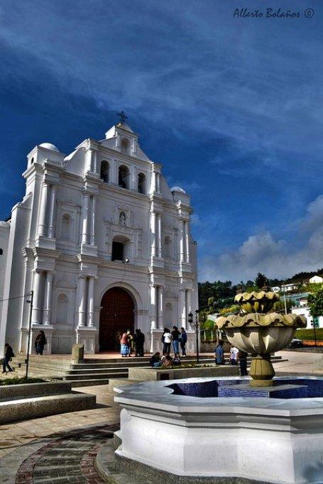 Iglesia de San Cristobal Totonicapán - foto por Alberto Bolaños