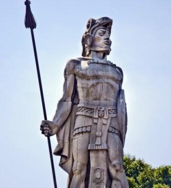 Monumento Tecun Uman Maynor Marino Mijangos e1369331830740 - Galería - Fotos de Monumentos, Estatuas y Esculturas en Guatemala