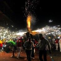 La Quema de Toritos en Santa Elena Barillas el 15 de Enero - foto por Alan Alas