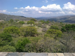 10042012722 300x225 - Guía Turística - Mixco Viejo