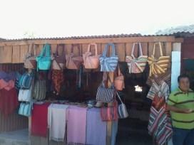 Tiendas de artesanías - Guía Turística - San Juan La Laguna, Sololá