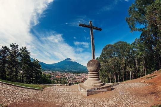 Cerro de la Candelaria Mirador de la Cruz La Antigua Guatemala foto por GalasdeGuatemala1 - Guía Turística - Cerro de la Candelaria, Mirador de la Cruz