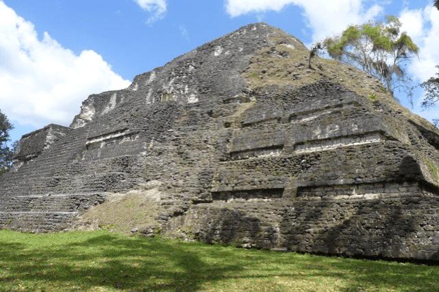 el lugar de las voces 9 mundochapin - Guia Turística - Tikal, El Lugar de las Voces