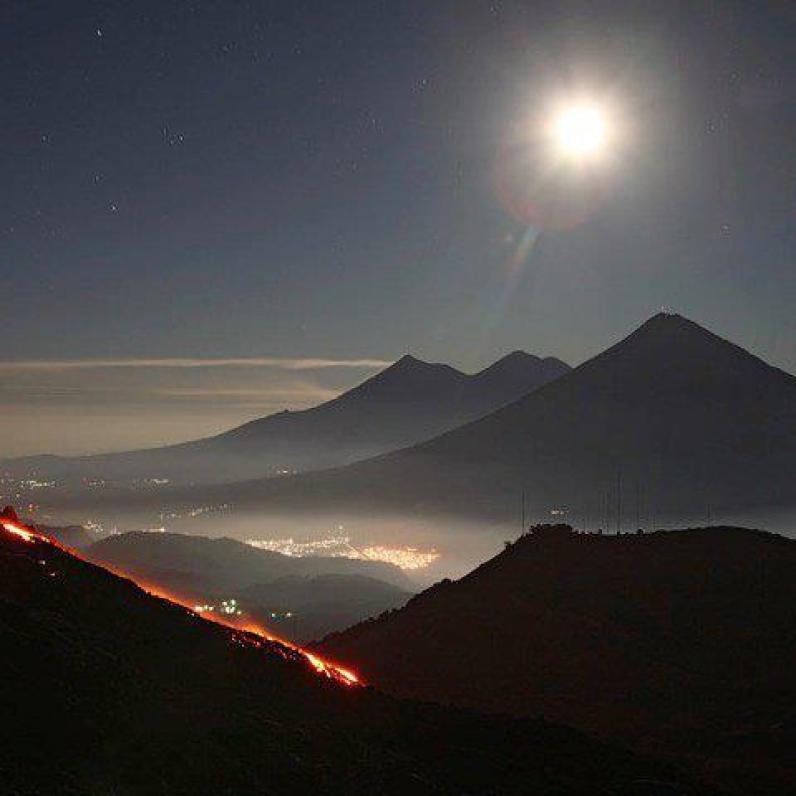 Actividad del volcan de Pacaya y cadena volcanica. Foto donada por Archi S
