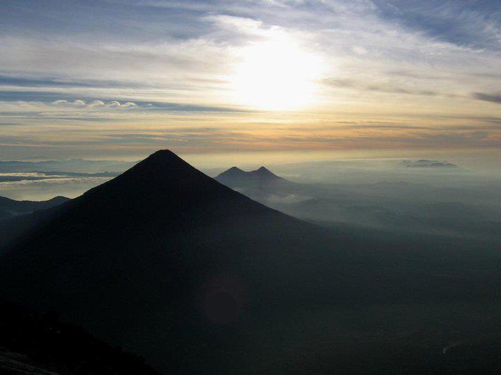 Foto por David Pérez Cumbre del Acatenango en una fría mañana - Los 5 volcanes más altos en Guatemala