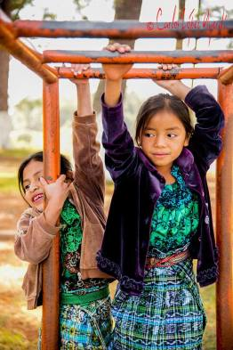 Chapincitas foto por Carlos Lopez Ayerdi - Galeria de Fotos de Guatemala por Carlos Lopez Ayerdi