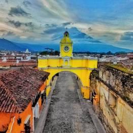 El Arco de Santa Catalina en La Antigua Guatemala foto por Carlos Lopez Ayerdi - Galeria de Fotos de Guatemala por Carlos Lopez Ayerdi