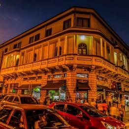 Hotel Panamericano en la 6a avenida de la zona 1, ciudad de Guatemala - foto por Esau Beltran Marcos