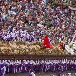 Procesion de Jesus Nazareno De La Merced, La Antigua Guatemala - foto por Edgar Monzon