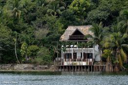 en el lago peten itza foto por hugo altan - Galeria de Fotos de Guatemala por Hugo Altán