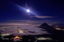 vista desde el volcan acatenango foto por billy mun cc 83oz de acuarela chapina - Galeria de Fotos de Guatemala por Billy Muñoz