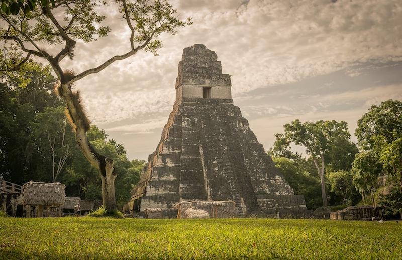 El Gran Jaguar Tikal foto por Lester Borrayo - 5 lugares imperdibles en Guatemala